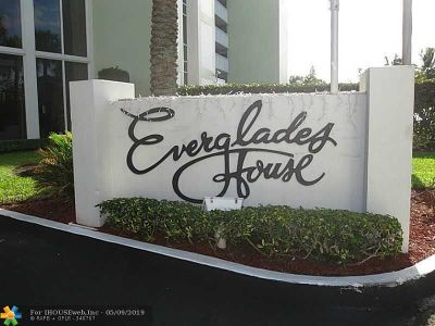 Everglades House Condo/Townhouse For Sale: 2000 S Ocean Dr #1108