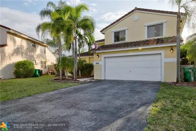 Davie Single Family Home For Sale: 5900 York Ln
