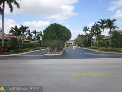 Tamarac Condo/Townhouse For Sale: 10208 Lombardy Dr #10208
