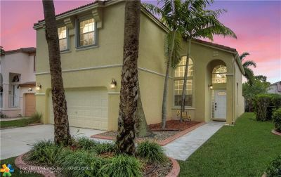 Pembroke Pines Single Family Home For Sale: 619 NW 159th Ln