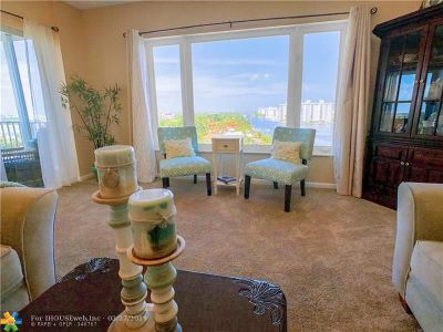 Delray Beach Condo/Townhouse For Sale: 555 SE 6th Ave #9H