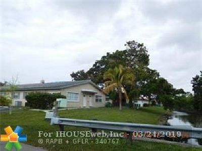 Coral Springs FL Multi Family Home For Sale: $210,000