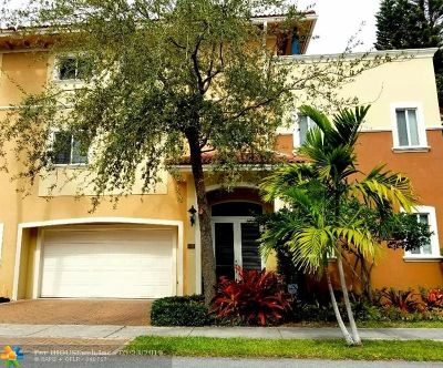 Fort Lauderdale Condo/Townhouse For Sale: 1705 NE 11th St #1705