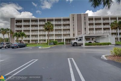 Coral Springs Condo/Townhouse For Sale: 8735 Ramblewood Dr #312