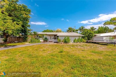 Pompano Beach Single Family Home For Sale: 560 SE 3 Rd Ave
