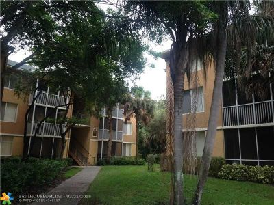 Pompano Beach Condo/Townhouse For Sale: 4035 W McNab Rd #203F