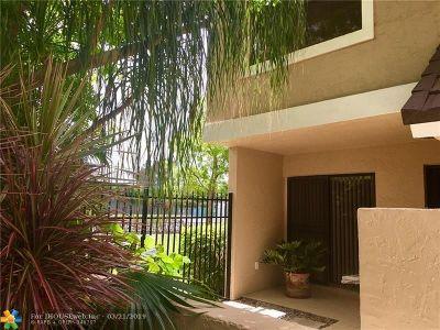 Boca Raton FL Condo/Townhouse For Sale: $347,500
