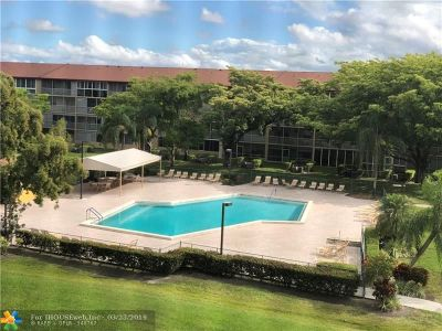 Pembroke Pines Condo/Townhouse For Sale: 13250 SW 7th Ct #410L