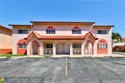 Hialeah Condo/Townhouse For Sale: 7642 W 29th Ln #201-51