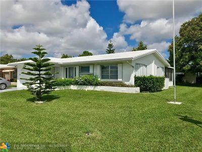 Tamarac Single Family Home For Sale: 4401 Mainland Dr