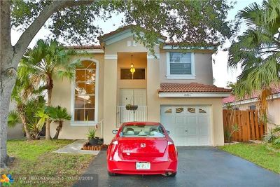 Davie Single Family Home For Sale: 8401 SW 44th Pl