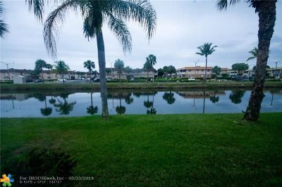 Delray Beach Condo/Townhouse For Sale: 154 Brittany D #D