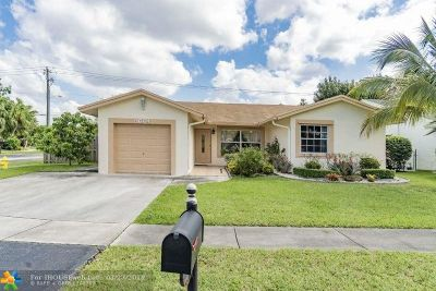 Sunrise Single Family Home For Sale: 9604 NW 49th St