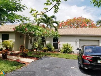 Broward County Single Family Home For Sale: 790 SW 55th Ave
