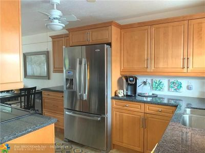 Deerfield Beach Condo/Townhouse For Sale: 1511 SE 15th Ct #103