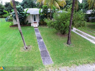 Miami Single Family Home For Sale: 260 NW 150th St