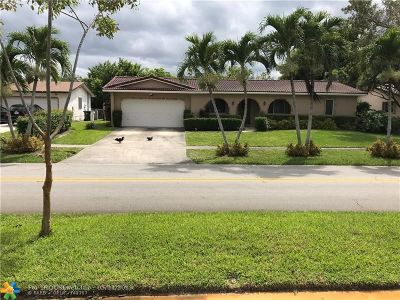 Coconut Creek Single Family Home For Sale: 4080 NW Lake Dr