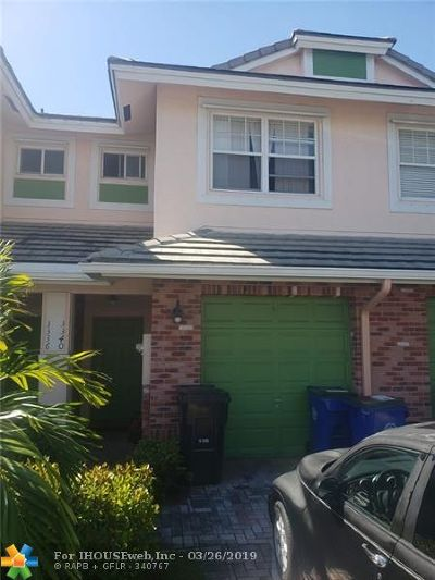 Lauderdale Lakes Condo/Townhouse For Sale: 3340 NW 29th Ct #3340