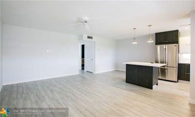 Hollywood Condo/Townhouse For Sale: 5300 Washington St #U402