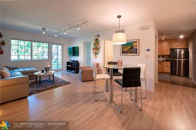 Wilton Manors Condo/Townhouse For Sale: 300 NE 19th Ct #211N