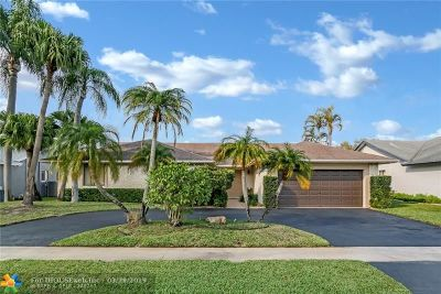 Lauderhill Single Family Home For Sale: 7871 NW 54th Ct