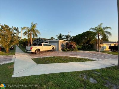Deerfield Beach Single Family Home For Sale: 214 SE 11th St