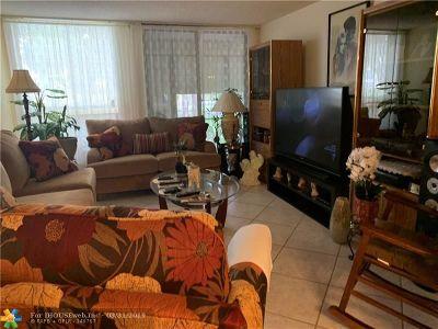 Tamarac Condo/Townhouse For Sale: 8050 W McNab Rd #120