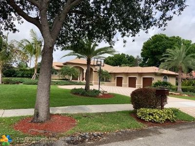 Davie Single Family Home For Sale: 2365 SW 105th Ter