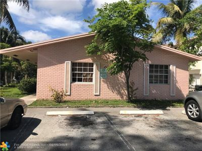 Oakland Park Multi Family Home For Sale: 465 NW 40th Ct