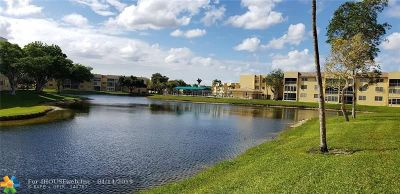 Tamarac Condo/Townhouse For Sale: 5841 NW 61st Ave #107