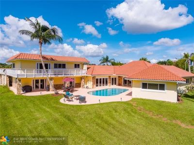 Davie Single Family Home For Sale: 4290 SW 109th Ave