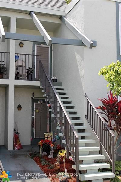 Margate Condo/Townhouse For Sale: 7310 NW 18th St #206
