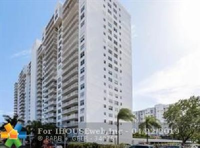 Aventura Condo/Townhouse For Sale: 2851 NE 183rd St #212E