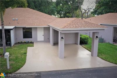 Delray Beach Single Family Home For Sale: 6821 E Moonlit Dr