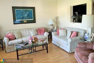 Deerfield Beach Condo/Townhouse For Sale: 618 Durham V #618