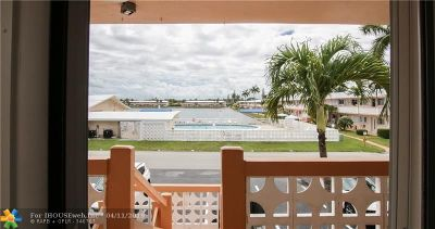 Hallandale Condo/Townhouse For Sale: 725 SW 11th Ave #18F