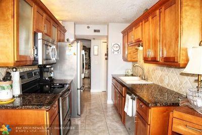 Pompano Beach Condo/Townhouse For Sale: 1500 N Ocean Blvd #302