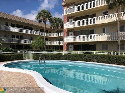Pompano Beach Condo/Townhouse For Sale: 490 SE 19th Ave #106