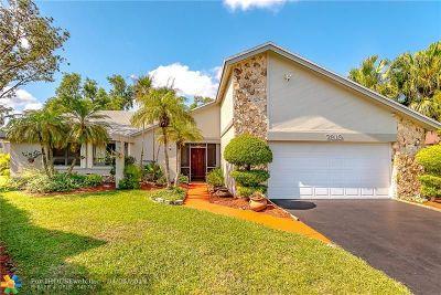 Tamarac Single Family Home For Sale: 7313 Corkwood Ter