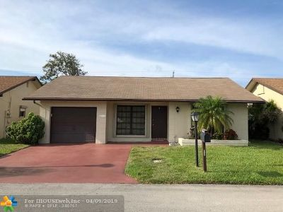 Deerfield Beach Single Family Home For Sale: 2065 SW 15th Pl