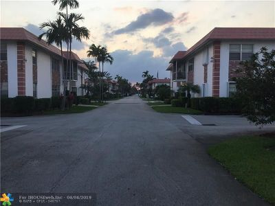 Pompano Beach Condo/Townhouse For Sale: 3550 NW 8th Ave #413