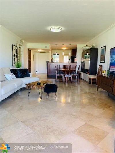 Pompano Beach Condo/Townhouse For Sale: 2651 S Palm Aire Dr #103