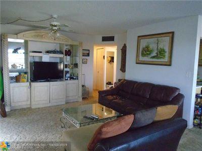 Tamarac Condo/Townhouse For Sale: 5180 E Sabal Palm Blvd #328