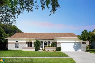Boynton Beach Single Family Home For Sale: 3615 Diane Dr