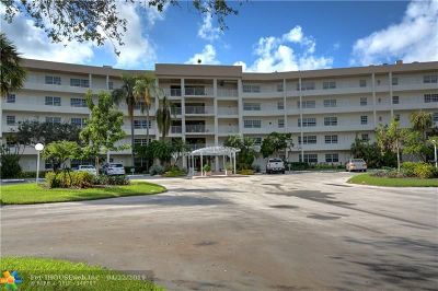 Pompano Beach Condo/Townhouse For Sale: 555 Oaks Ln #306