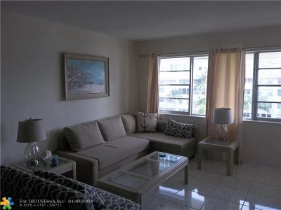 Hallandale Condo/Townhouse For Sale: 1889 S Ocean Dr #407