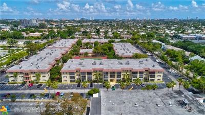 Pompano Beach Condo/Townhouse For Sale: 253 S Cypress Rd #246