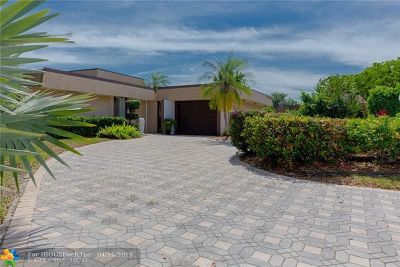 Tamarac Single Family Home For Sale: 6200 Orchard Tree Ln