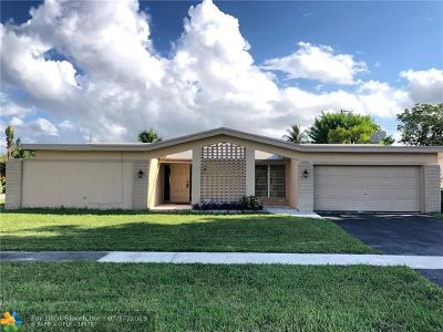 Broward County Single Family Home For Sale: 7211 NW 21st St