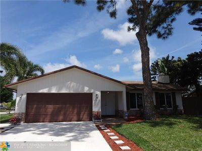 Deerfield Beach Single Family Home For Sale: 3071 SW 4th St